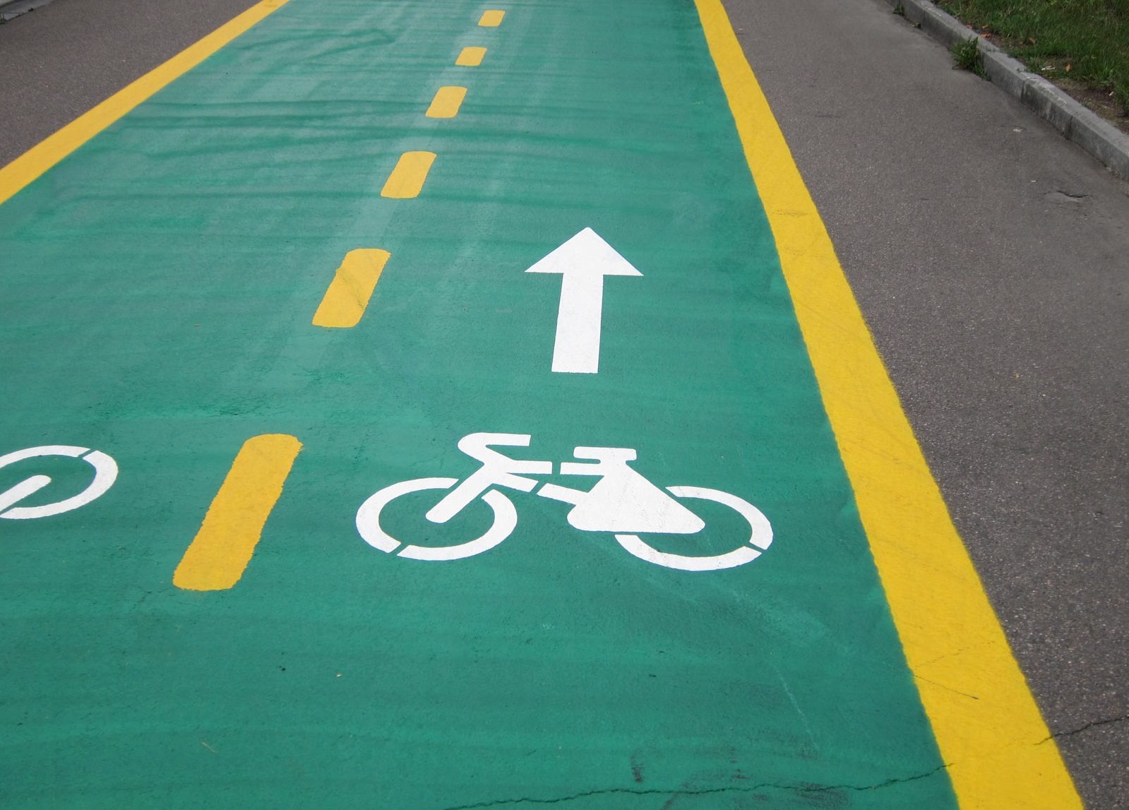 New bicycle lanes will soon appear in the center of Moscow