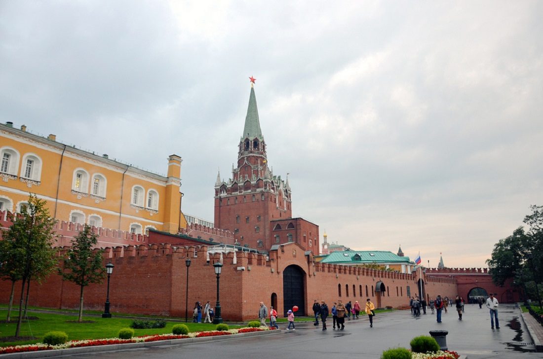 Two towers of the Moscow Kremlin have been closed for restoration